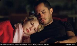 Gael Garcia Bernal y Michelle Williams dirigidos por Lukas Moodysson en el film sueco Mammoth